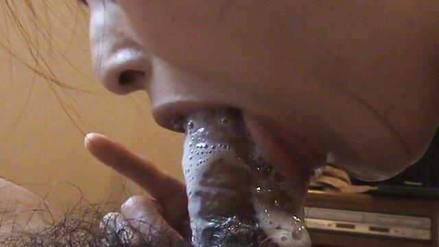 Ririsu Ayaka spielt mit reife hd porn dildo auf Ihrem feuchten va