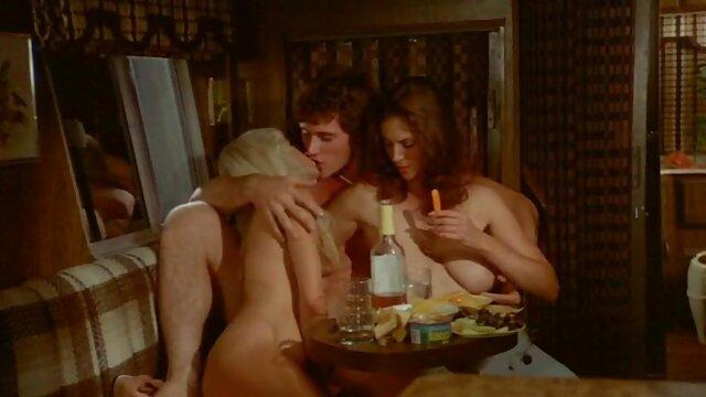 Big sexfilme ältere Titted Cherry Fingert Ihre Snatch