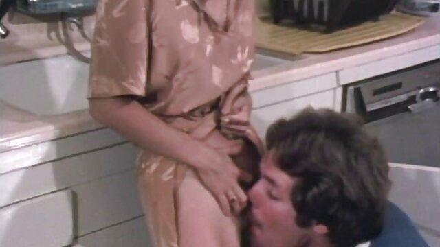 Nate Ritchie schlägt ab sex video reife