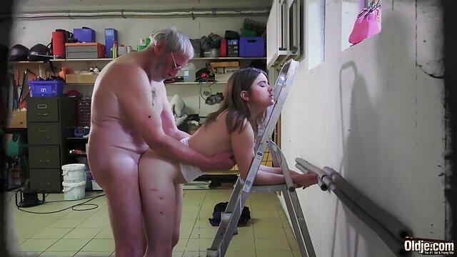 bekommt Ihre Reife reife deutsche frauen porn Fotze gestopft